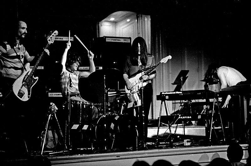 Jaki Liebezeit : Modern Drummer