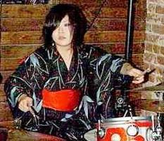 Kill Kill Kill's NaNa : Modern Drummer