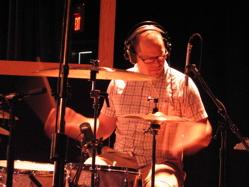 Pat Wilson : Modern Drummer