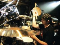 <b>Virgil Donati: Hellacious Drumming With Devil's Slingshot And Beyond</b>