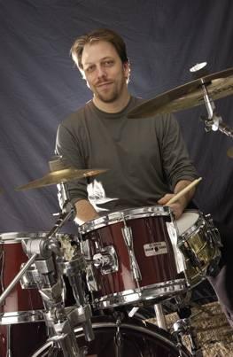 Steve Holmes : Modern Drummer