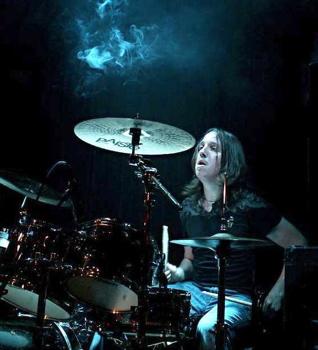 Rob Bujak of Nova : Modern Drummer