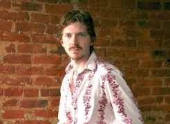 Tim Kuhl : Modern Drummer