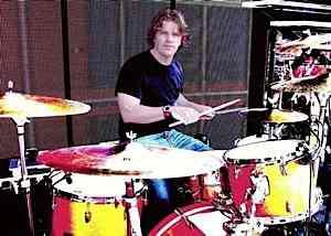Craig Macintyre of Colbie Caillat : Modern Drummer
