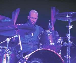 Brian Delaney of The New York Dolls : Modern Drummer