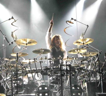Jeff Plate of Trans-Siberian Orchestra : Modern Drummer