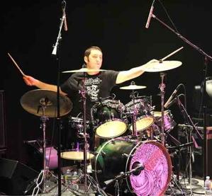 Drummer Wesley Finley of Rebelution : Modern Drummer