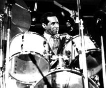 Max Roach : Modern Drummer