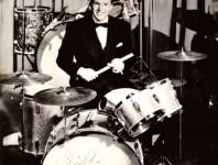 <b>Cliff Leeman: The Embodiment Of Tasteful Drumming </b>