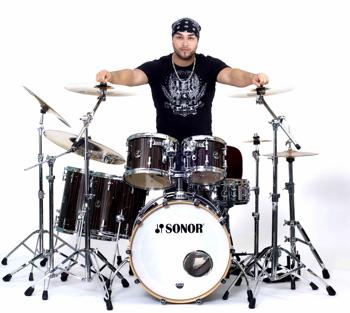Giann Rubio of Blue For Sin : Modern Drummer