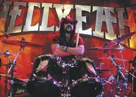 Vinnie Paul of Hellyeah : Modern Drummer