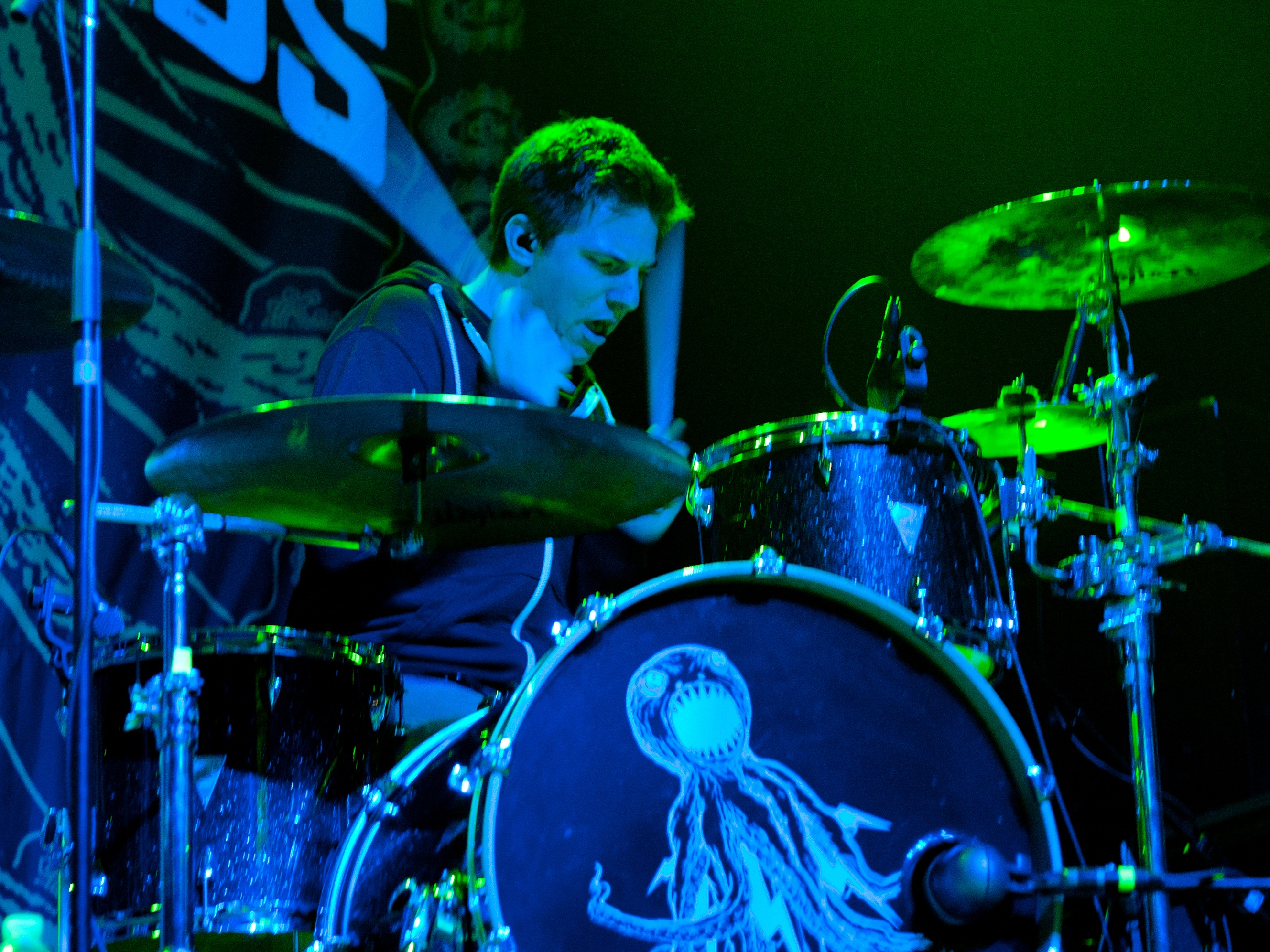 Matt Ochoa of the Dirty Heads : Modern Drummer