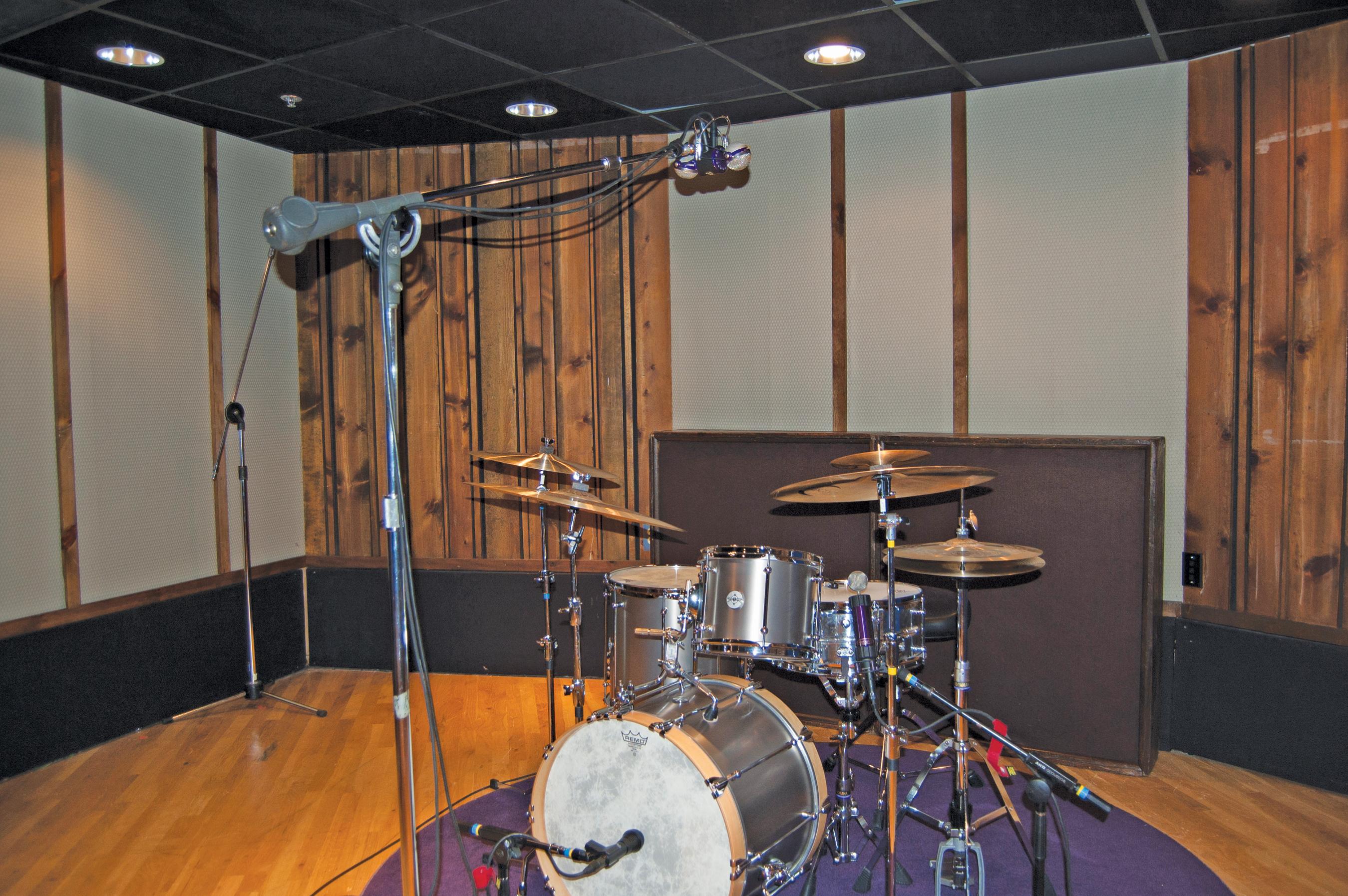 Two Mics Drum Miking Diagram Library Of Wiring Set 101 Part 3 Three Mic Setups Video Modern Drummer Rh Moderndrummer Com Bass Overhead Kit Setup