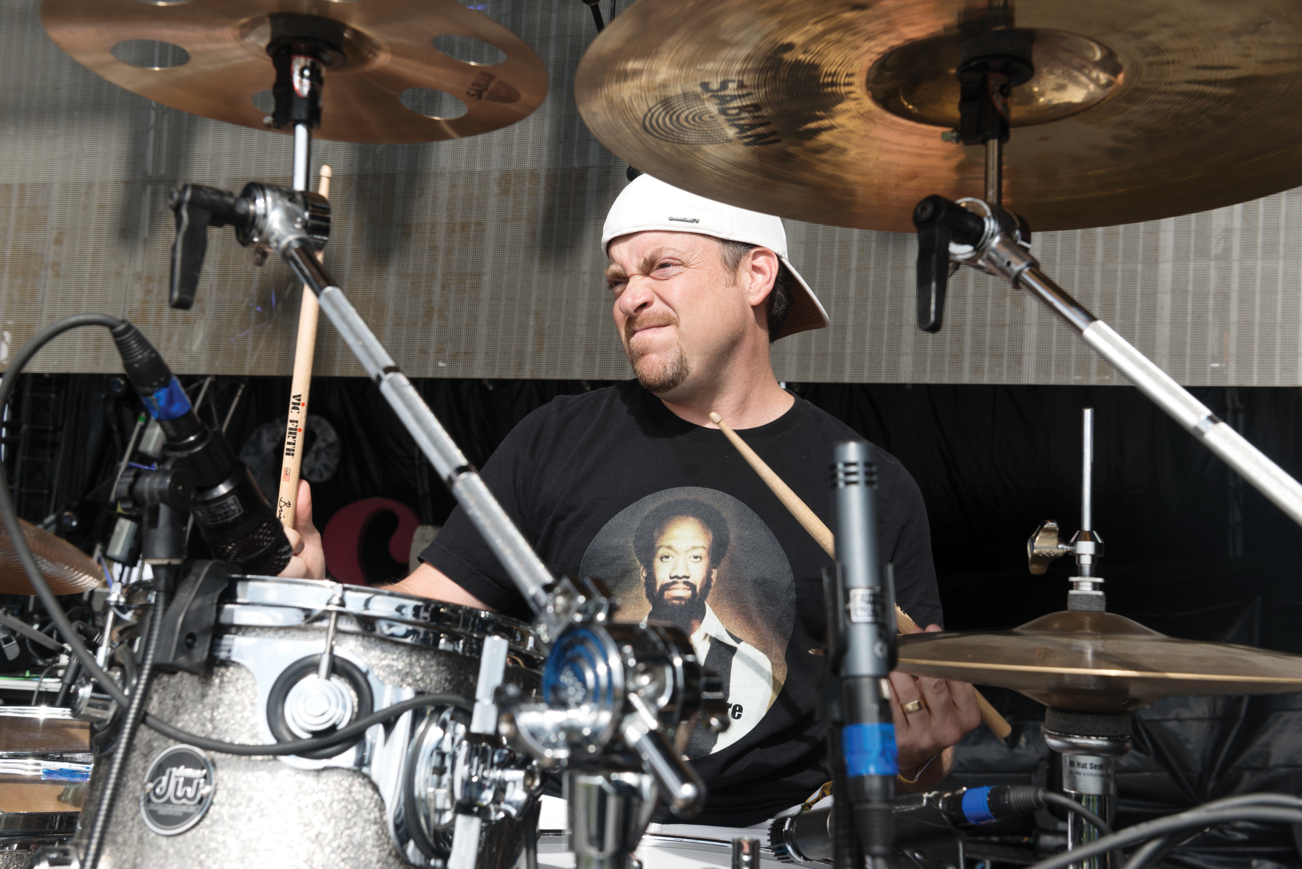 daryl hall and john oates' brian dunne - modern drummer magazine