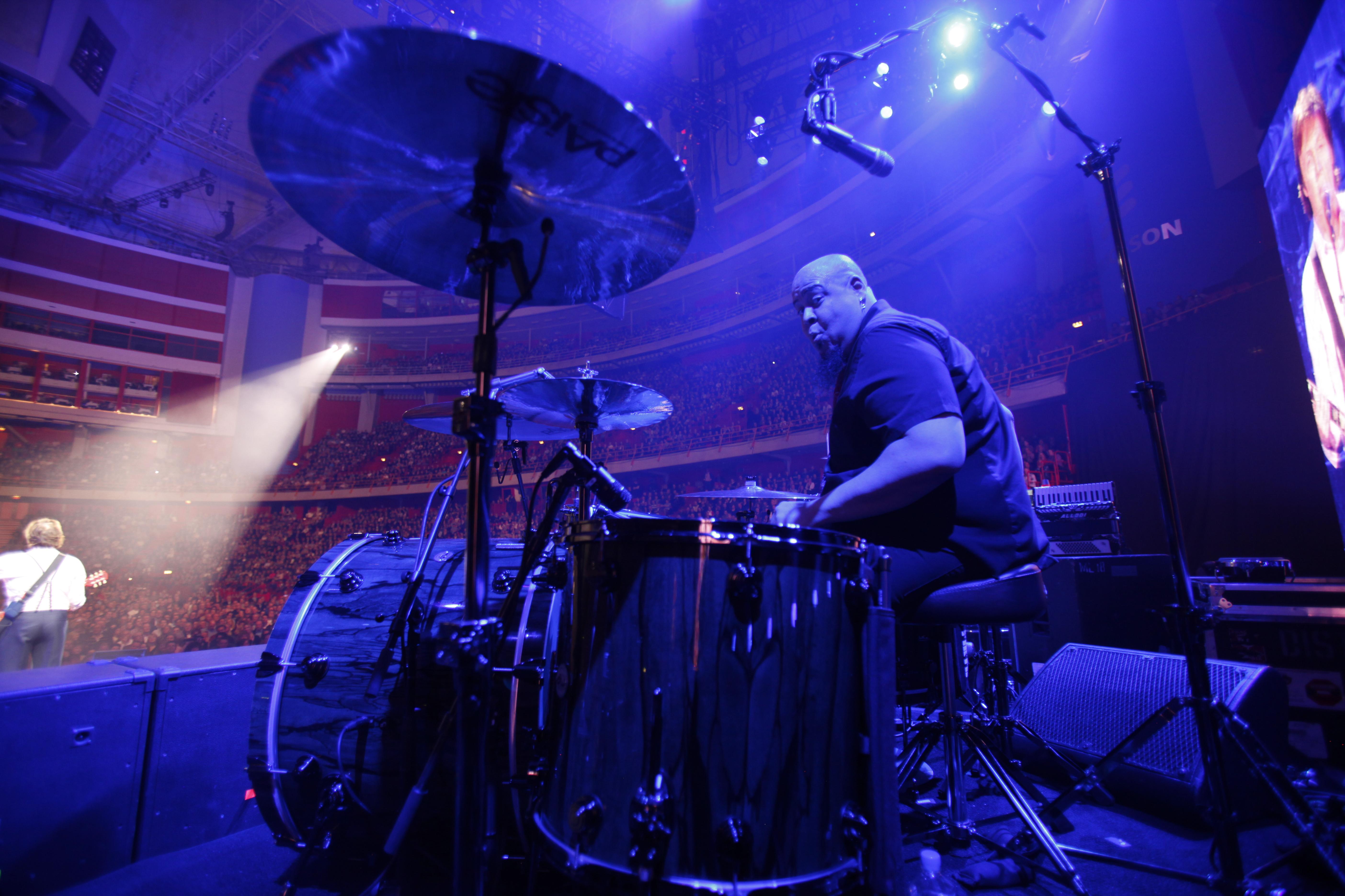 Paul Mccartney S Abe Laboriel Jr Modern Drummer Magazine