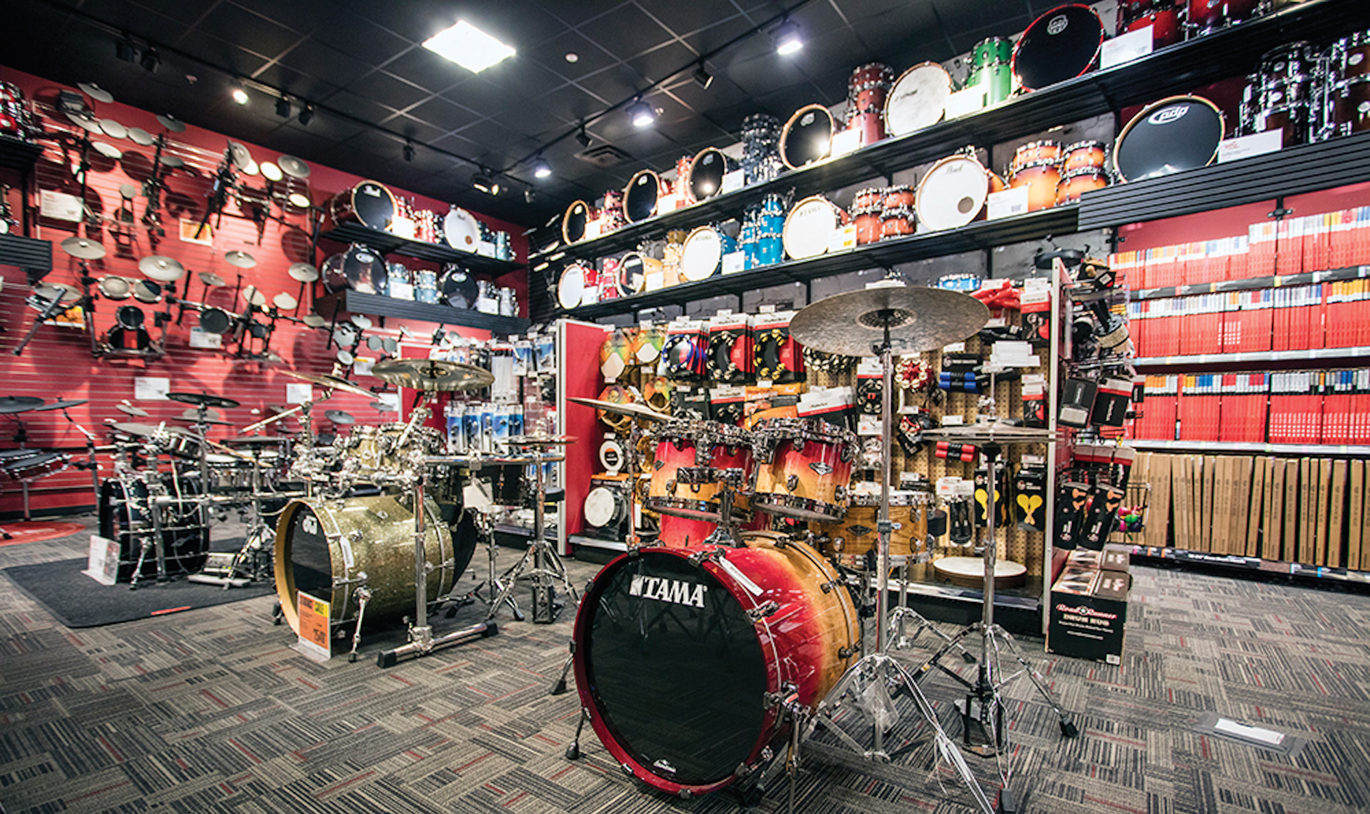 Guitar Center is an American music retailer chain. It is the largest company of its kind in the United States, with locations. Its headquarters is in Westlake Village, California.. Guitar Center oversees various subsidiaries including Music & Arts, siti-immobilier.tk, LMI, Giardinelli, siti-immobilier.tk, Private Reserve Guitars, Woodwind and Brasswind, Music , and used to own Harmony Central.
