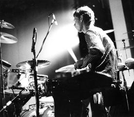 Drumer Bill Bruford on his kit