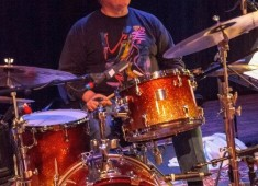 Learn the history of jazz drumming and cymbals from leading educator Bob Breithaupt. PAS and Rhythm! Discovery Center present Rhythm! LIVE featuring clinician, educator, artist, and past PAS president Bob Briethaupt.