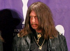 Original Lynyrd Skynyrd Drummer Bob Burns, one of the founders of the legendary Southern-rock band, was killed last week in an auto accident in Georgia, at age sixty-four.