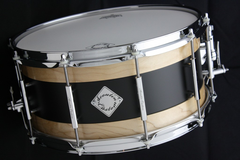Acoutin  maple/steel snare