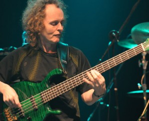 Mark Egan On&#8230;<br /> The star bassist reflects on 15 world-class drummers