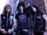 <b>Former Guns N' Roses drummer Steven Adler Announces New Band</b>
