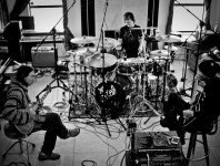 <b>Korn Drummer Ray Luzier on KXM, His Side Project With Dug Pinnick and George Lynch</b>
