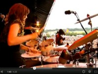 "<b>Sarah Jones on Bat For Lashes' ""Glass"" at Glastonbury 2009</b>"