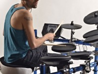 <b>Simmons Releases Full-Size 6-Piece SD1500KIT Electronic Drumset</b>